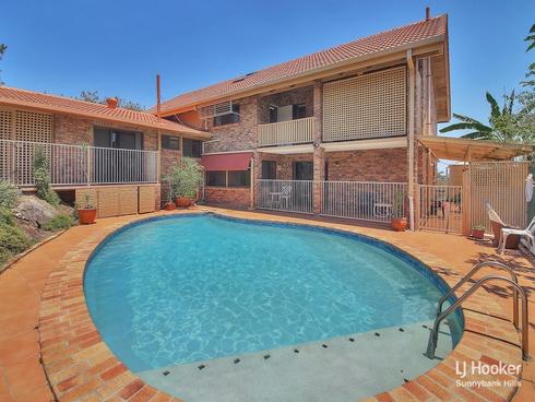 8 Zara Street Robertson, QLD 4109