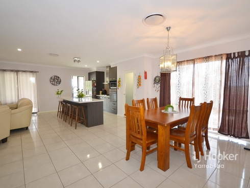 32-34 White Place Kooralbyn, QLD 4285
