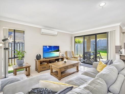 27 Barradeen Crescent Pacific Pines, QLD 4211