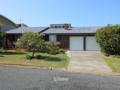 40 High Street Hallidays Point, NSW 2430