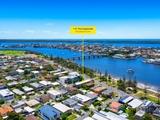 2/112 The Esplanade Paradise Point, QLD 4216