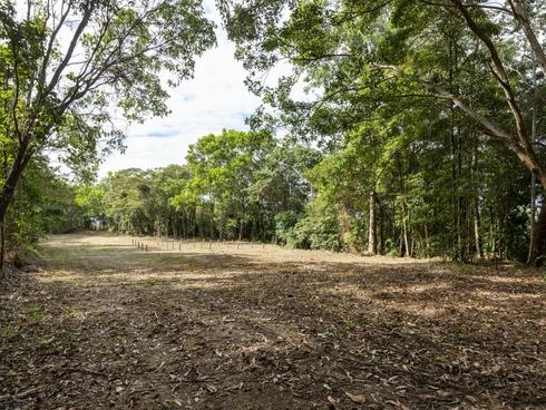 27 Sawmill Road Mossman, QLD 4873