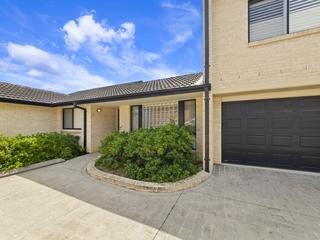 2/42 Wattle Street East Gosford , NSW, 2250