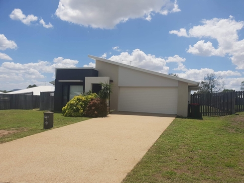 16 Benjamin Drive Gracemere, QLD 4702