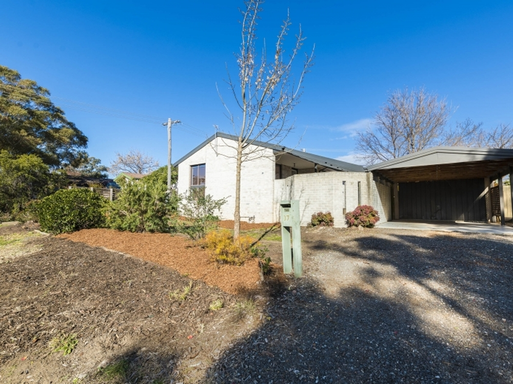37 Reveley Crescent Stirling, ACT 2611