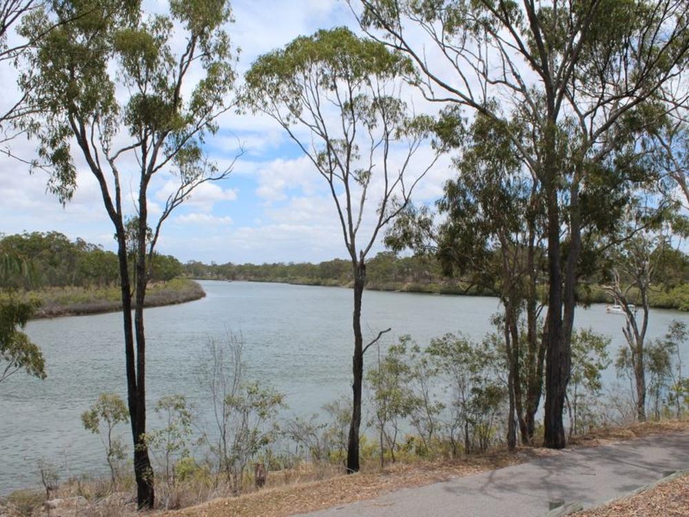 25 Tarcoola Drive Boyne Island, QLD 4680