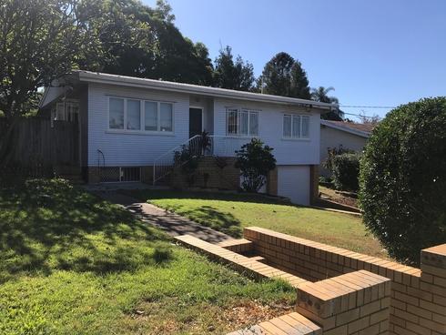 17 Quill Street Stafford Heights, QLD 4053