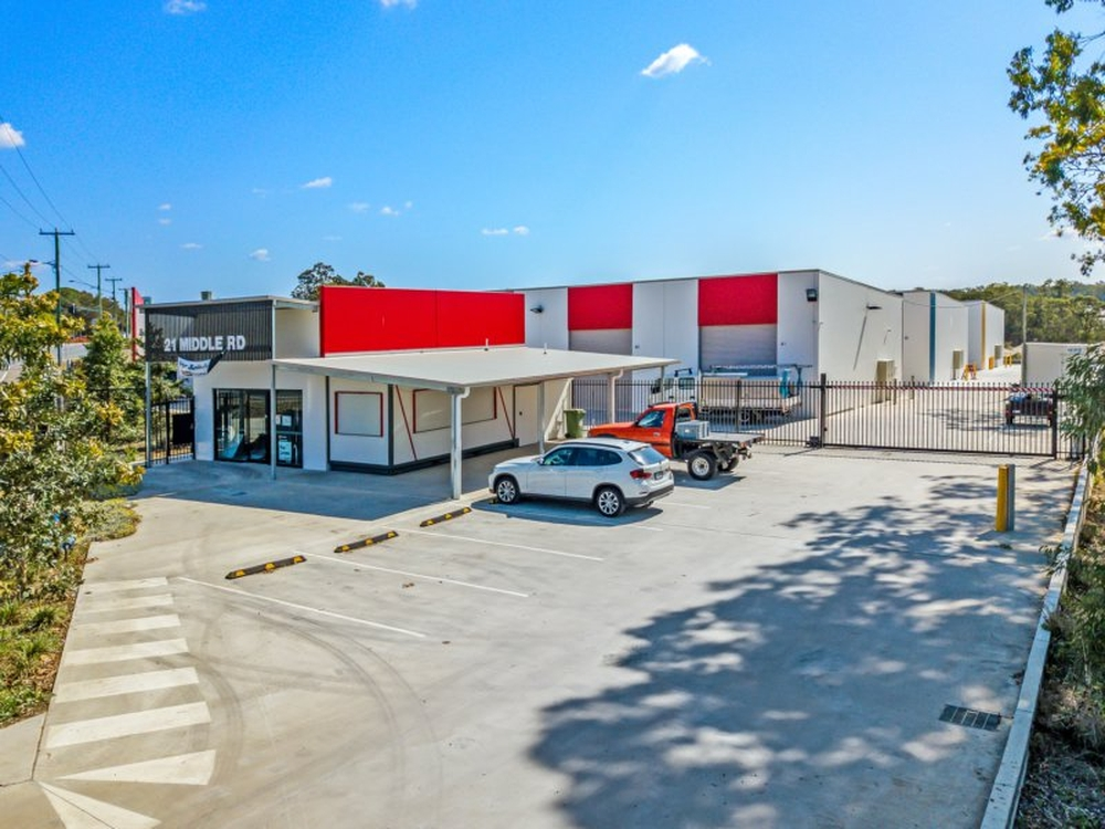 21 Middle Rd Hillcrest, QLD 4118