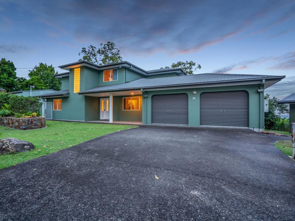 41 Macrozamia Drive Clagiraba, QLD 4211