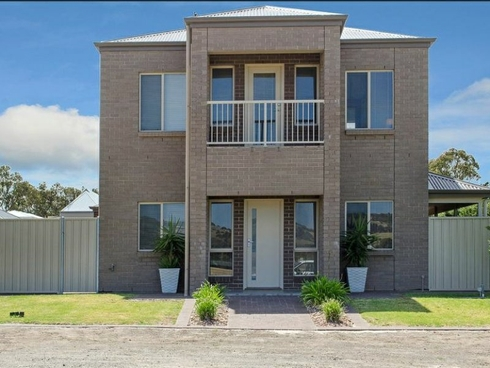 10 Harbour View Terace Victor Harbor, SA 5211