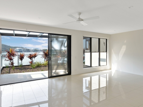 4 Promenade Circuit Hope Island, QLD 4212