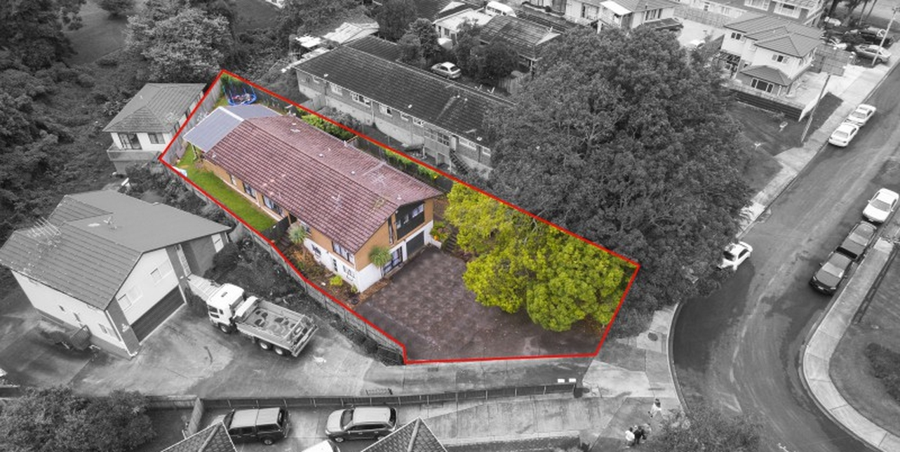 17 Lochinver Road Papatoetoeproperty slider image