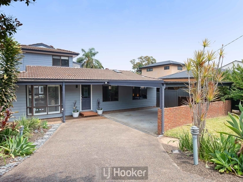 32 Carlisle Row Fishing Point, NSW 2283