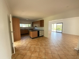 11 Walters Avenue West Gladstone, QLD 4680
