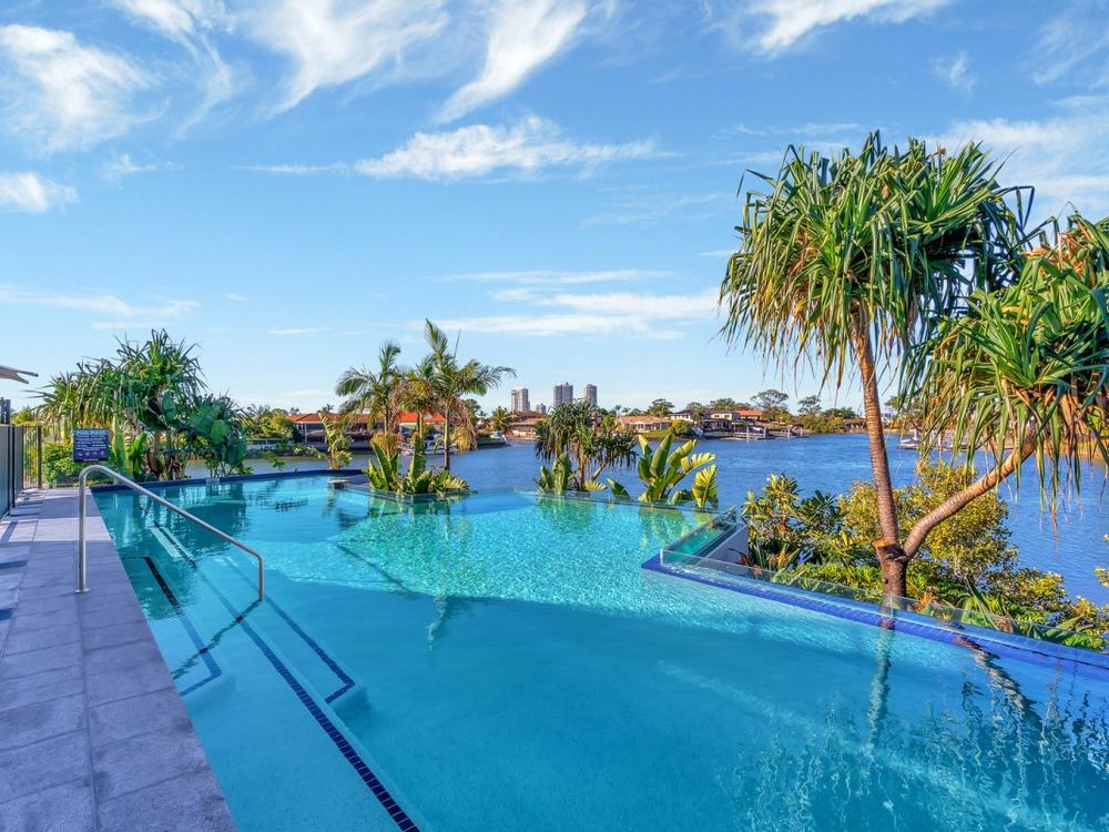 21010/5 Harbourside Court Biggera Waters, QLD 4216