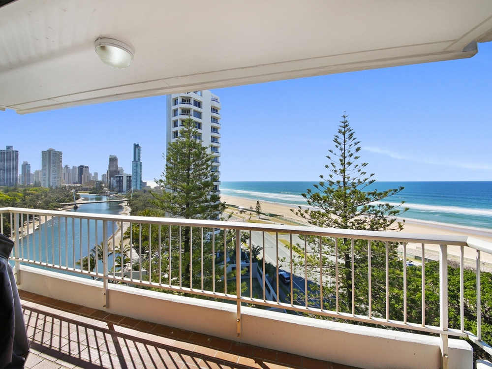 27/204 Ferny Avenue Surfers Paradise, QLD 4217