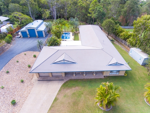 135 Castle Hill Drive Gaven, QLD 4211