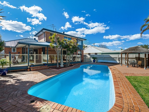2 Haddon Crescent Marks Point, NSW 2280