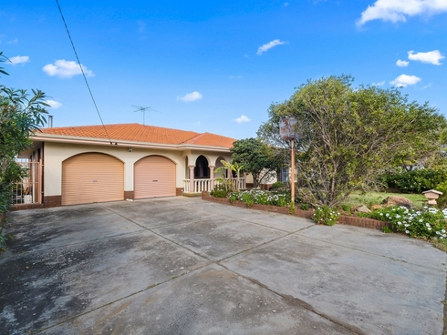 18 Birbeck Way Spearwood, WA 6163