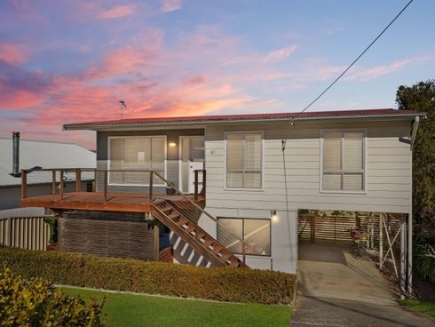 41 Valley View Road Bateau Bay, NSW 2261