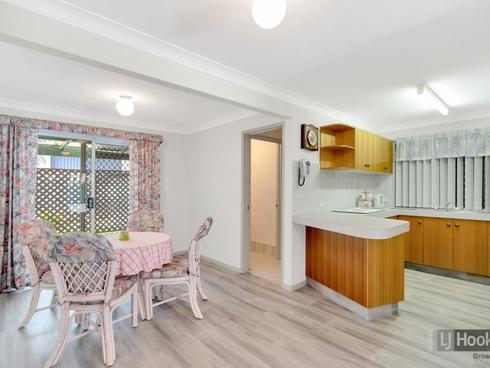 2/27 Ashbourne Terrace Biggera Waters, QLD 4216