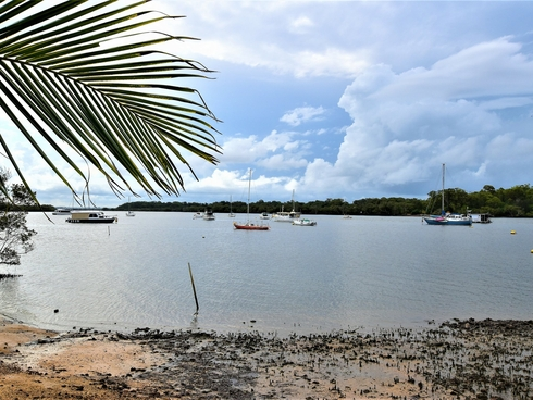 1a Bayview Road Russell Island, QLD 4184