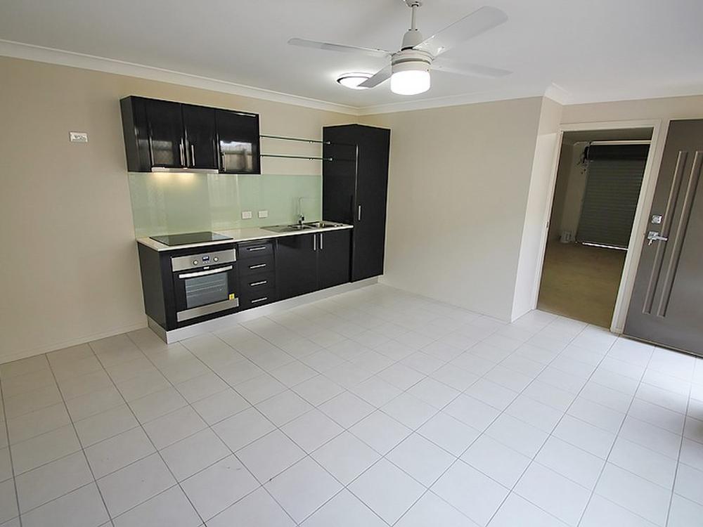Unit 2/11 Braxlaw Crescent Dakabin, QLD 4503