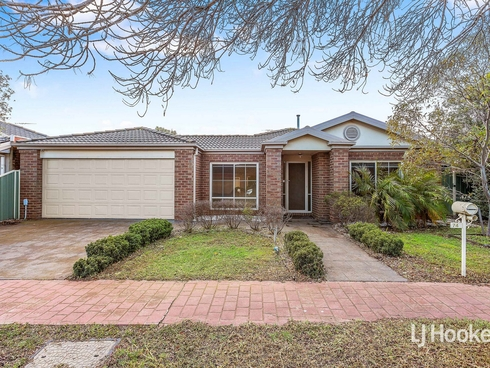 74 Dalkeith Drive Point Cook, VIC 3030