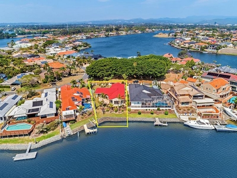 140 Port Jackson Boulevard Clear Island Waters, QLD 4226