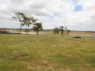 Lot 26 Derby Drive - Stage 3 Griffith Estate Rosenthal Heights , QLD, 4370