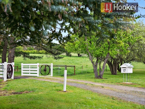 17 Millar Road Lower Hermitage, SA 5131