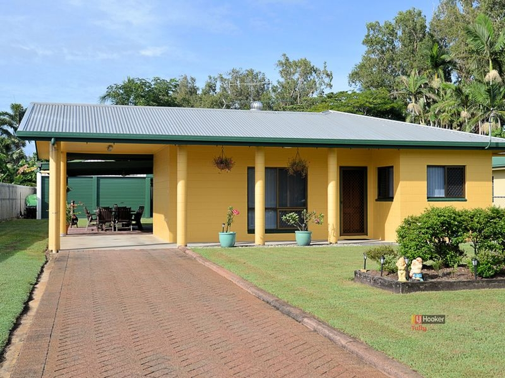 1 Acacia Close Tully Heads, QLD 4854