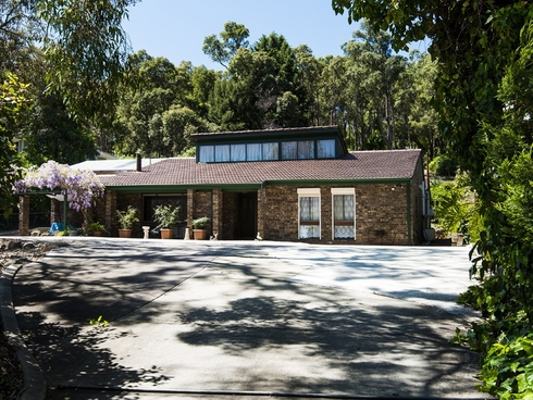 168 Orange Valley Road Kalamunda, WA 6076