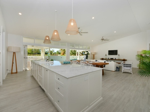 2 Old Port Road Port Douglas, QLD 4877