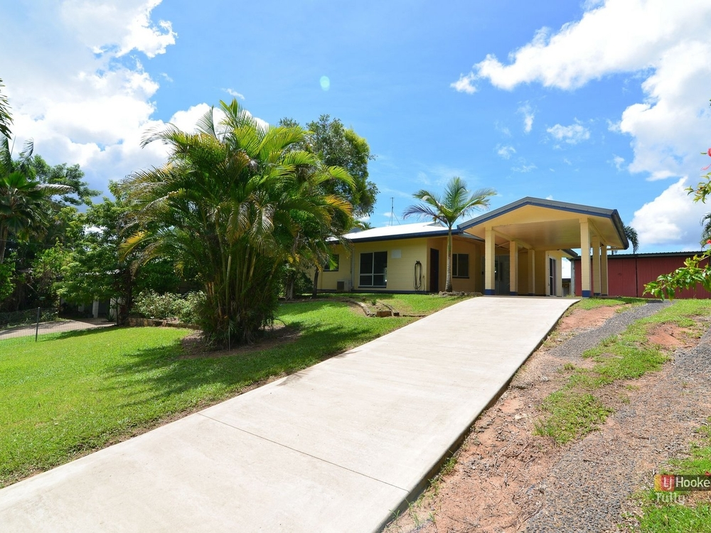 24 Bamber Street Tully, QLD 4854