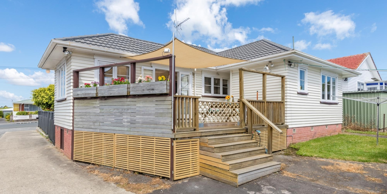 1/425 Blockhouse Bay Road Blockhouse Bay featured property image