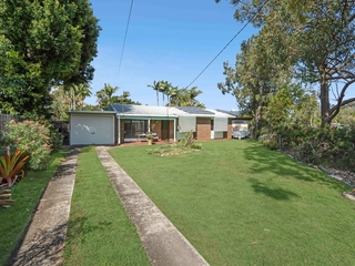 76 Main Street Redland Bay , QLD, 4165