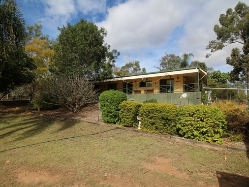 26 Lockyer View Road Wivenhoe Pocket, QLD 4306