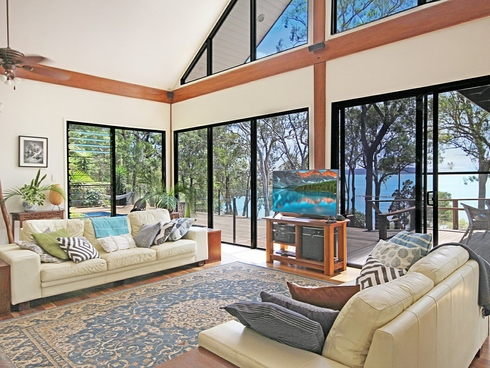 2-26 Cabriolet Crescent Macleay Island, QLD 4184